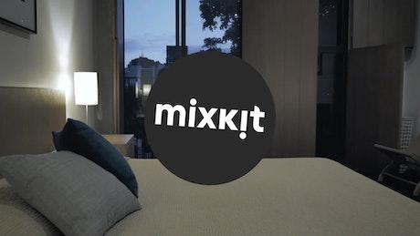 Clean Twist Logo Intro