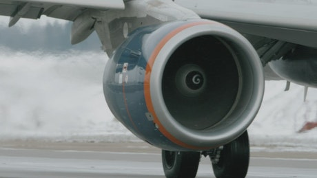 Aircraft engine in the snow