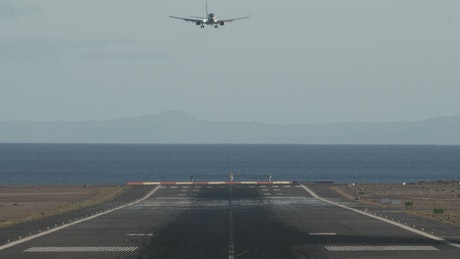 Aircraft landing on an island