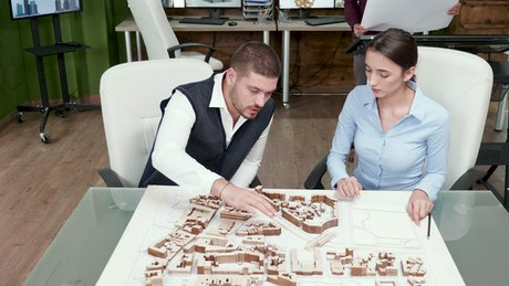 Architechts thinking over project plan and block model