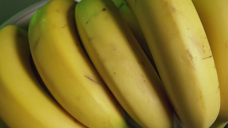 Bananas spinning on a plate