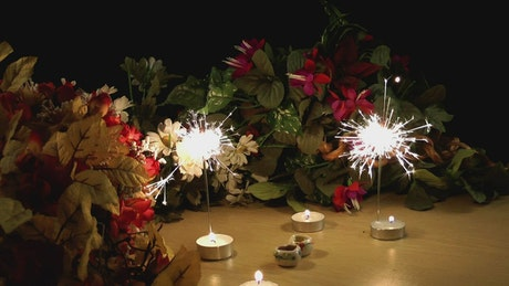 Birthday ornament: Candles, flares and flowers