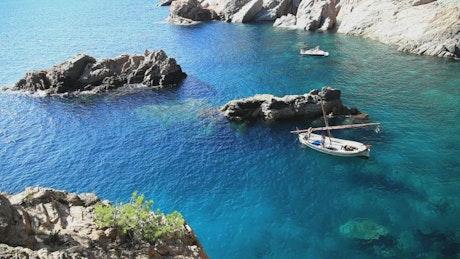 Boats inside a beautiful bay