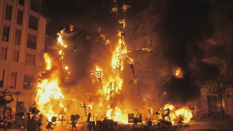 Burning structures on Falles Night