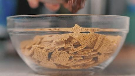 Cinnamon toast cereal with hazel nut cream