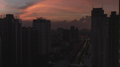 City timelapse as the night comes in