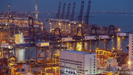 Containerport working at night