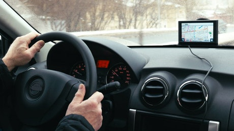 Driving with a GPS attached to the window