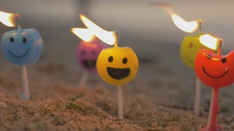 Emoji candles burning
