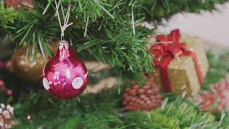 Festive tree decorations