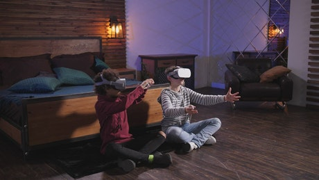 Friends using VR to learn