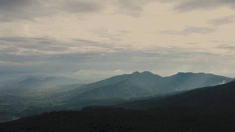 Landscape of a mountain range seen from the top of a mountain