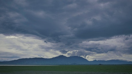 Landscape of an immense plain surrounded by hills