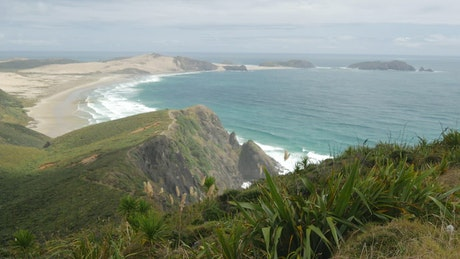 Long seashore and the ocean in New Zealand