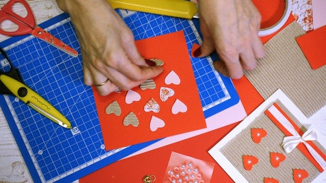Making a St. valentines card with paper cuts