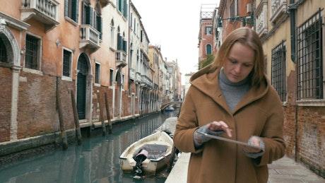 Navigating Venice using a tablet