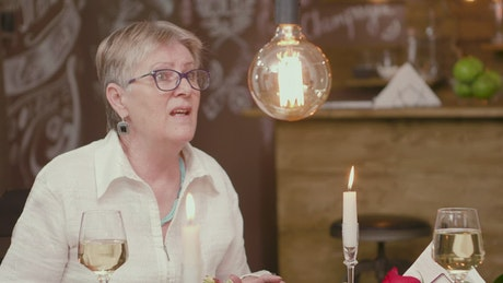 Older woman has difficult romance on dinner date
