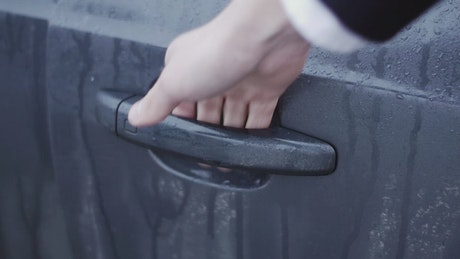 Opening a wet car handle