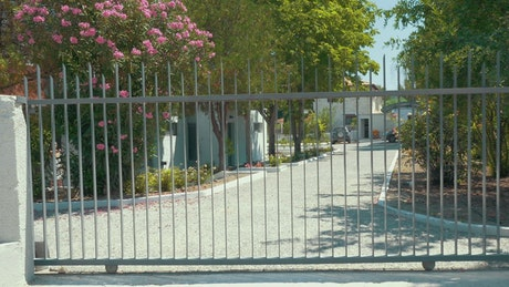 Opening automatic gates