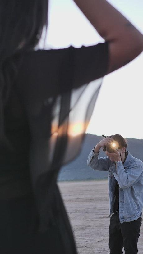 Photoshoot of a girl posing in the desert