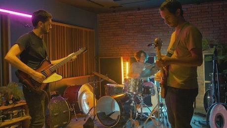 Pop rock bada in a recording studio