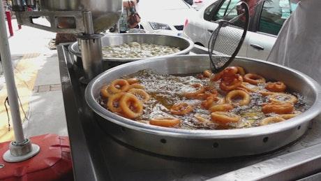 Preparation of traditional Lokma donuts