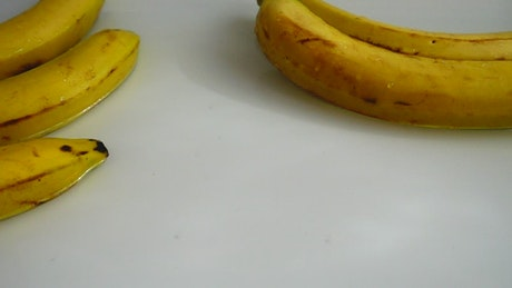 Presentation of bananas on water