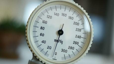 Pressure measurement tool