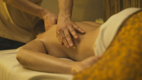 Relaxing massage with oil