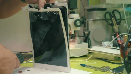 Repairing a broken tablet