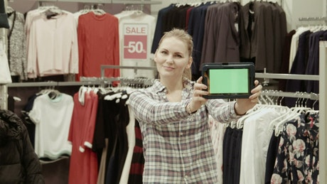 Showing a tablet with a green screen