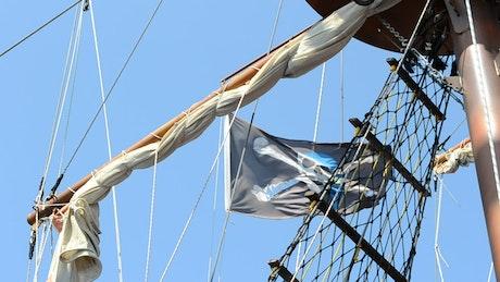 Skull flag on a boat