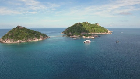 Small islands in the Caribbean with yachts