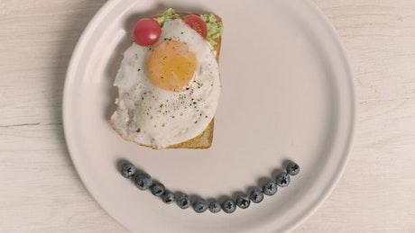Smiley face breakfast