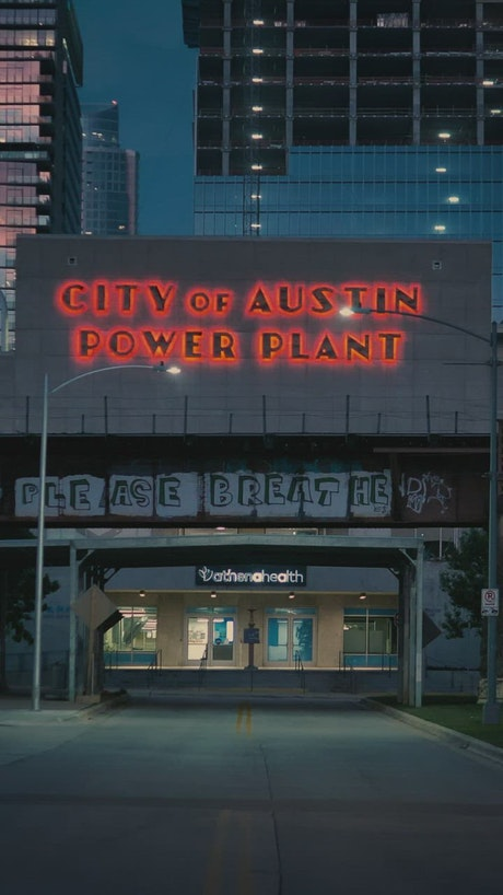 Street in the city of Austin in front of the power plant
