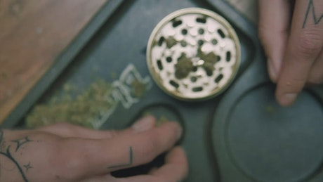 Using the weed grinder
