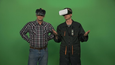 Using virtual reality headsets on a green screen