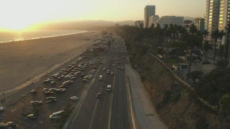 Vehicular flow on an avenue near the beach